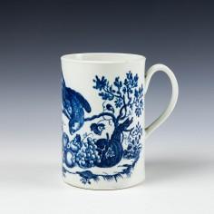 Caughley Porcelain Parrot Pecking Fruit Pattern Mug c1785