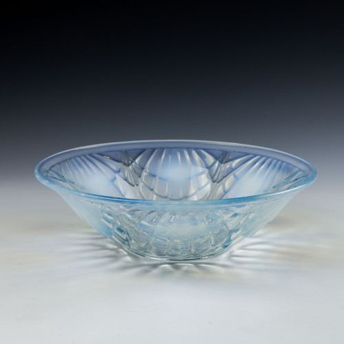 Jobling Opalique Shell Glass Bowl c1933