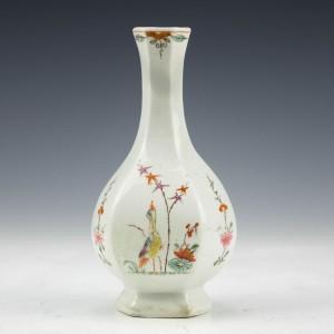 Worcester Hexagonal Bottle Vase c1754