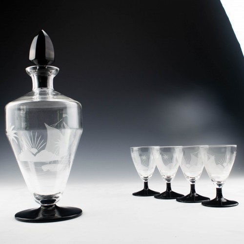 Engraved Art Deco Decanter And Six Glassses