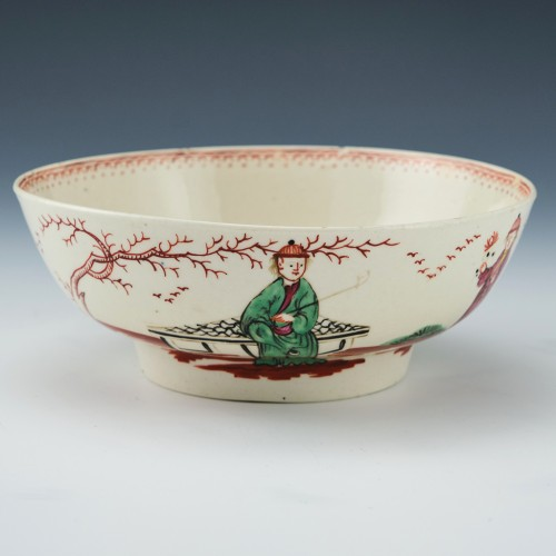 A Seth Pennington Liverpool Porcelain Chinoiserie Footed Bowl c1780