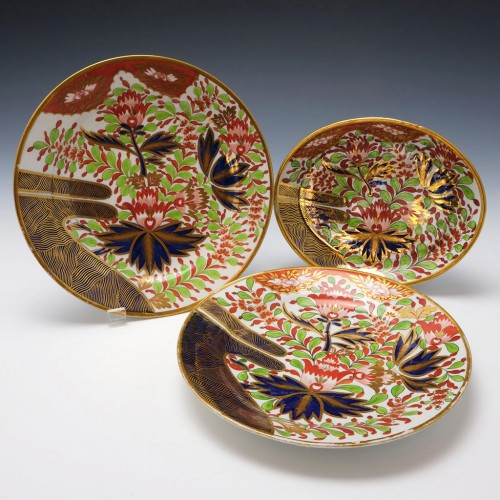 Two Chamberlains Worcester Plates and Teapot Stand c1810