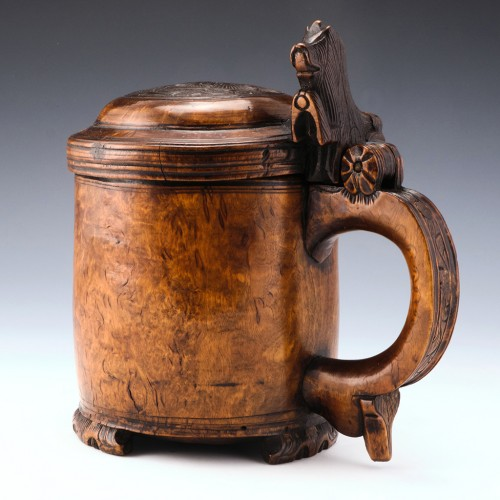 18th Century Carved Burr Wood Ceremonial Lion Peg Tankard Norway