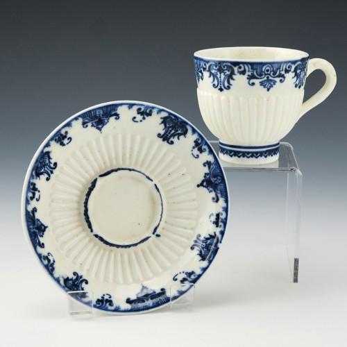 Saint Cloud Porcelain Tasse Trembleuse c1720