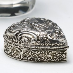 Victorian Repousse Silver Heart Shaped Pill Box Birmingham 1900