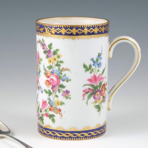 A Paris Porcelain Mug 1870