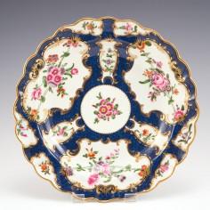 A Worcester First Period Porcelain Scale Blue Dessert Plate c1770