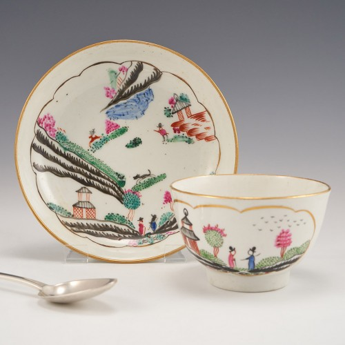 A Worcester Stag Hunt Pattern Tea Bowl and Saucer c1780