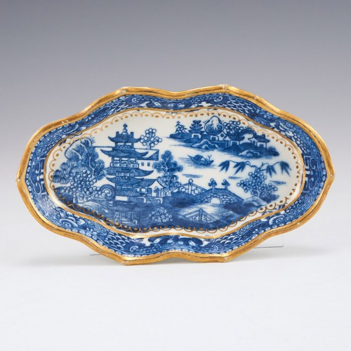A Caughley Porcelain Spoon Tray c1785