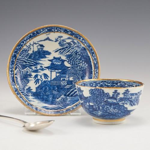 A Rare Caughley Porcelain 'Fenced Garden' Tea Bowl and Saucer 1780-85