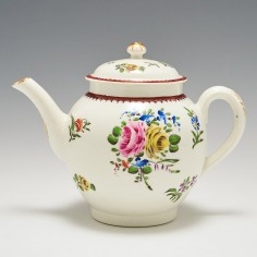 A Caughley Porcelain Teapot and Cover 1780-85