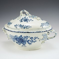 An Impressive Worcester First Period Porcelain Tureen and Cover of Large Size 1765-70