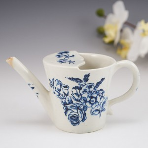 A Lowestoft Porcelain Feeding Cup c1775