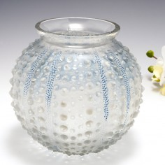 A Rene Lalique Oursin Vase Designed 1935 Marcilhac 10-888
