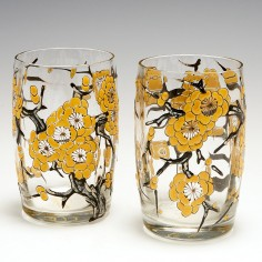 A Stunning Pair Of Chinoiserie Enamelled Delvaux Glass Tumblers c1925
