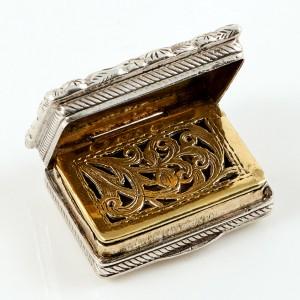 Miniature Thomas Pemberton Sterling Silver Vinaigrette Birmingham 1824