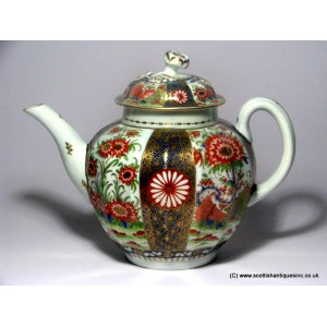 Worcester Rich Queens Pattern Teapot c1770
